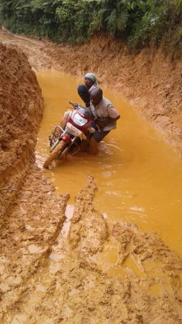 Sud-kivu/Infrastructures : Récolte des fonds au péage de Shabunda, pour le cantonnage manuel permanent de la route (+243997704295)
