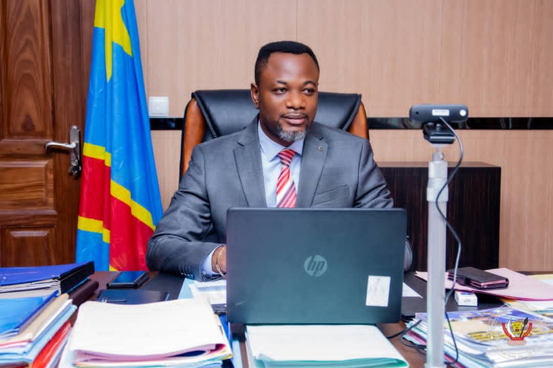 EPST : Tony Mwaba nomme Godefroid KATOTO à la tête du SECOPE et Boniface MBAKA à la direction de mécanisation et du suivi de la paie des enseignants