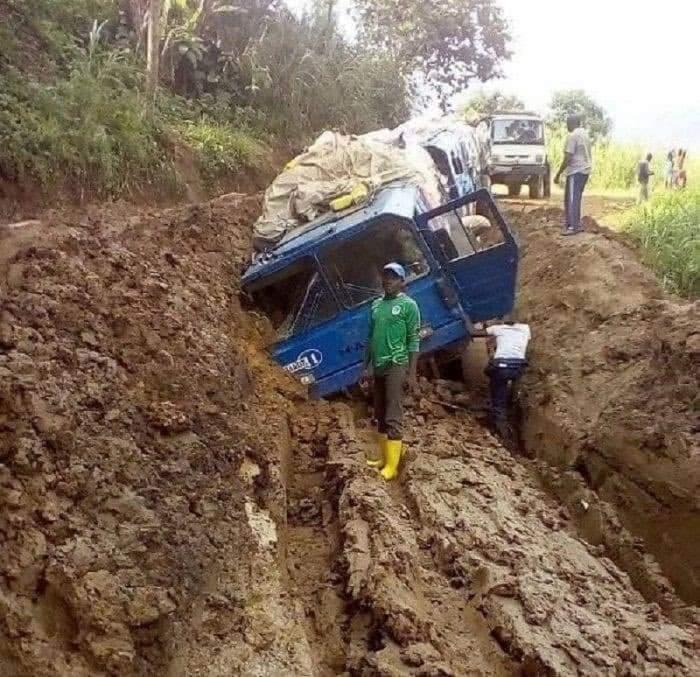 Sud-Kivu/Infrastructures : La dégradation très avancée des routes et la surtaxation découragent les transporteurs