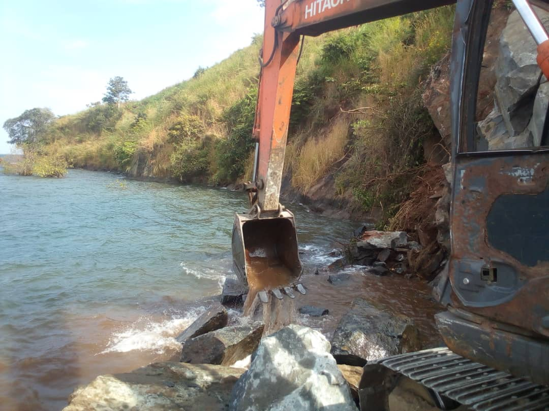 Sud-Kivu : Poursuite des travaux de dynamitage à Luhanga sur la Rn5