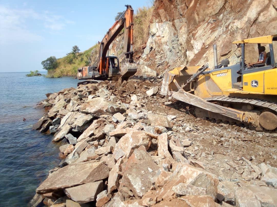 Sud-Kivu : l'Office des Routes annonce la reprise du trafic entre Uvira et Makobola 2 mois après la fermeture suite aux travaux de dynamitage