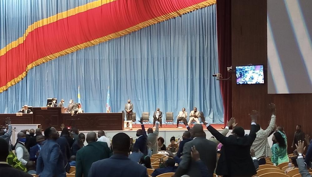 Affaire Bukanga Lonzo : l'Assemblée nationale autorise l'instruction judiciaire à charge ou décharge des députés Lumbu René et Louise Munga