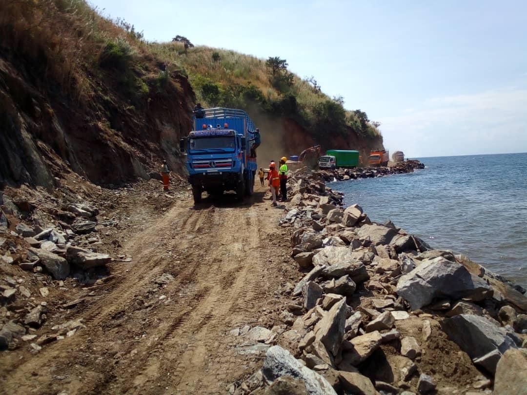 Sud-Kivu : Passage des quelques camions bloqués depuis 2 mois à Luhanga sur la RN5