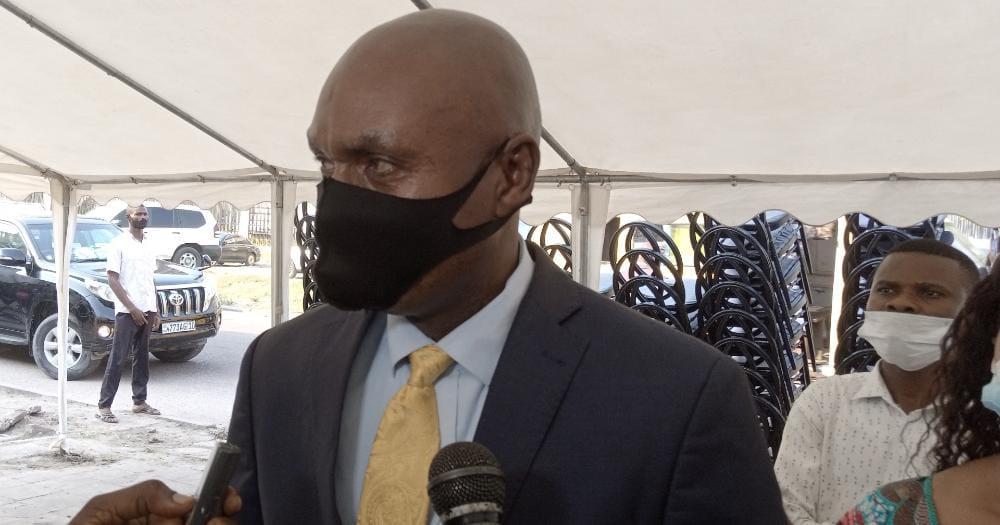 Ministère de l'Urbanisme et Habitat : Le SG Adolphe Mabulena très satisfait des matériels informatiques dotés par le VMP Jean Pierre LIHAU