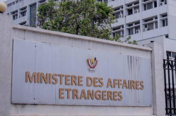 """Diplomatie : """"Tetelarisation"""" aux affaires étrangères, Christophe Lutundula interpellé ! «Ouvre l'oeil»"""