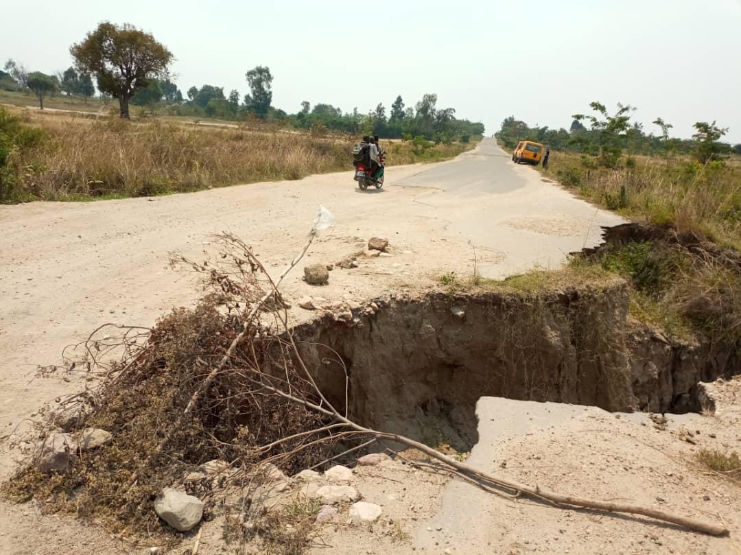 Sud-Kivu : Le délabrement très avancé du tronçon routier Kamanyola-Uvira sur la RN5, une menace pour l'économie de la province
